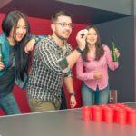 Die beliebtesten Trinkspiele Beer Pong